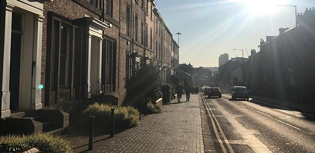 Nice_neighbourhood_street_wide_crop