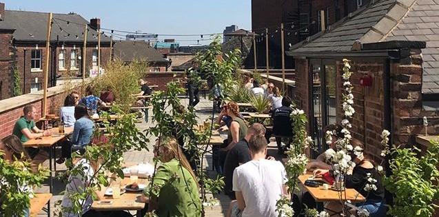 Nice_neighbourhood_terrace_wide_crop